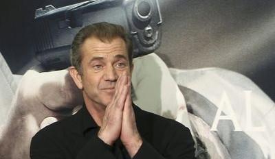 Mel Gibson chtěl spáchat sebevraždu, nutil policistu, aby po něm střílel