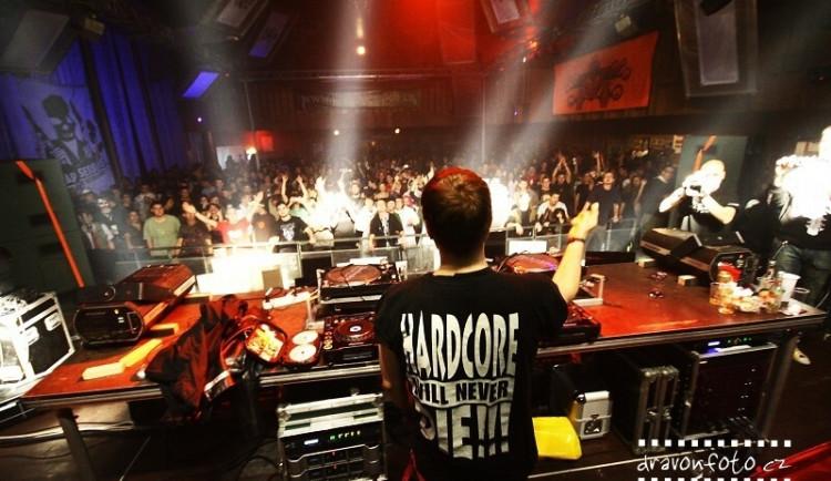 Českobudějovická drum and bassová párty Therapy Sessions CZ slaví pět let