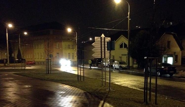 Na krizové křižovatce došlo v pondělí večer k další havárii