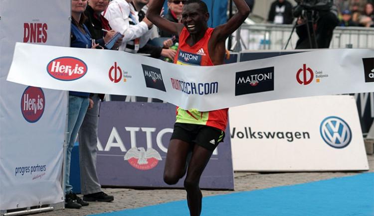 Běžec Stejskal skončil jedenáctý, vyhrál Keňan Chebii