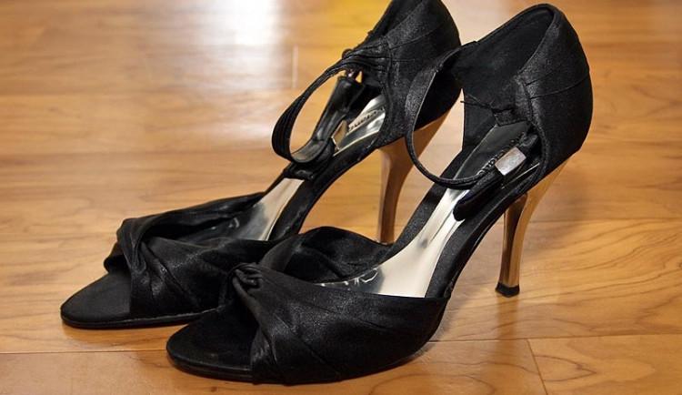Operaci musí lidé podstoupit často jen kvůli nevhodné obuvi