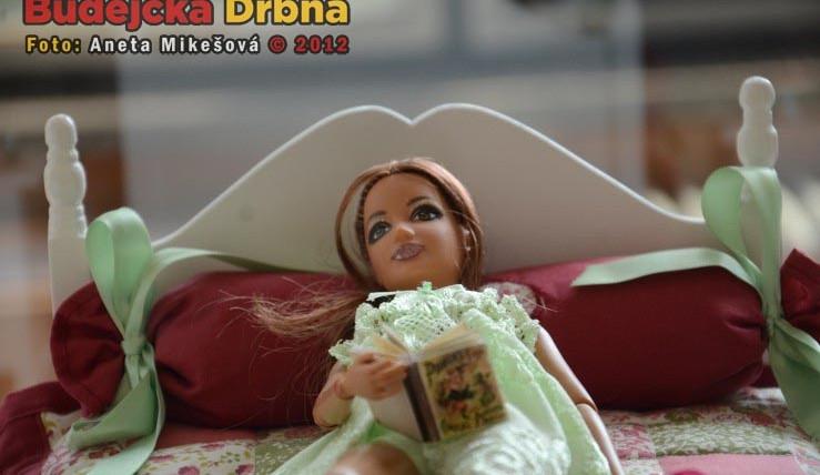 Svět panenek poprvé v Budějcích, láká nejen malé holky