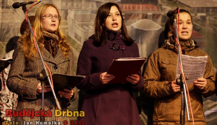 Hodina slávy představuje pěvecké i divadelní sbory