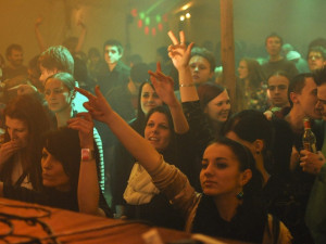 FOTO: Přežili jsme konec světa. S pořádnou párty!