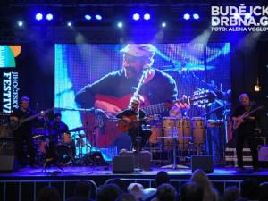 Brazilský jazzman přilákal na Piarisťák tisícovku lidí