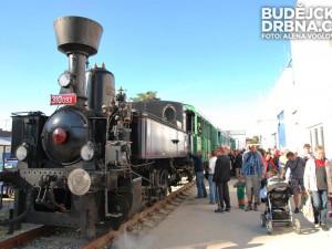 Parní lokomotiva zavezla návštěvníky do Teplárny