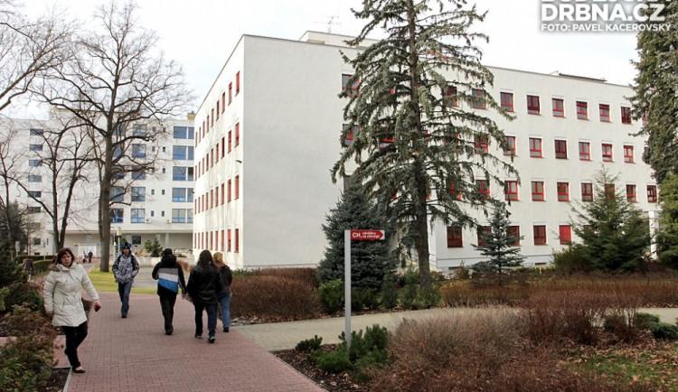 Nemocnice řeší s univerzitní menzou spory o jídlo