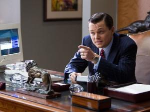 RECENZE: Prachy, drogy, děvky... Vítejte na Wall Street!