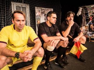 Postaven(i)í mimo hru, komedie nejen pro fanoušky fotbalu