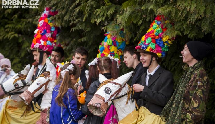 FOTO: Masopustní průvod dětí prošel Lišovem