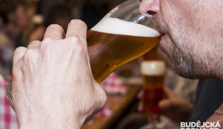 Budějovický Budvar představil speciální várku piva BUD