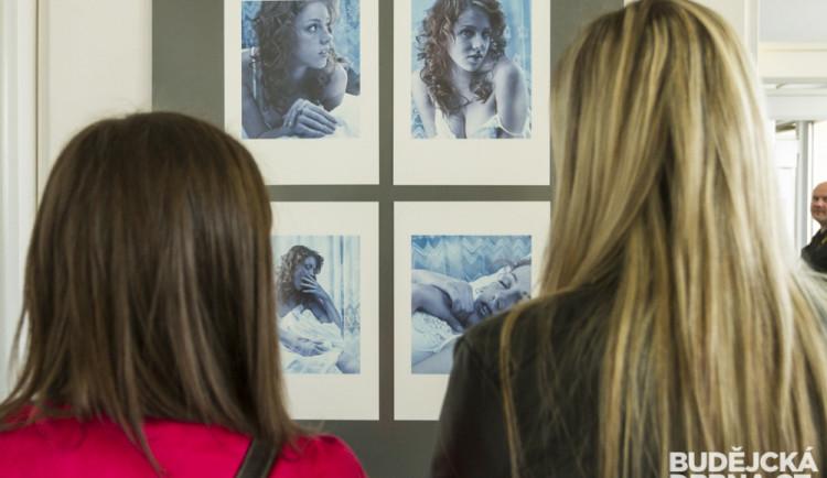 Fotograf Jaroslav Klíma uvedl výstavu snímků krásných žen