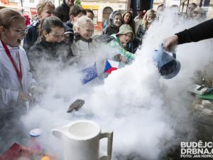 Lannovka ožila vědeckou show fyziků