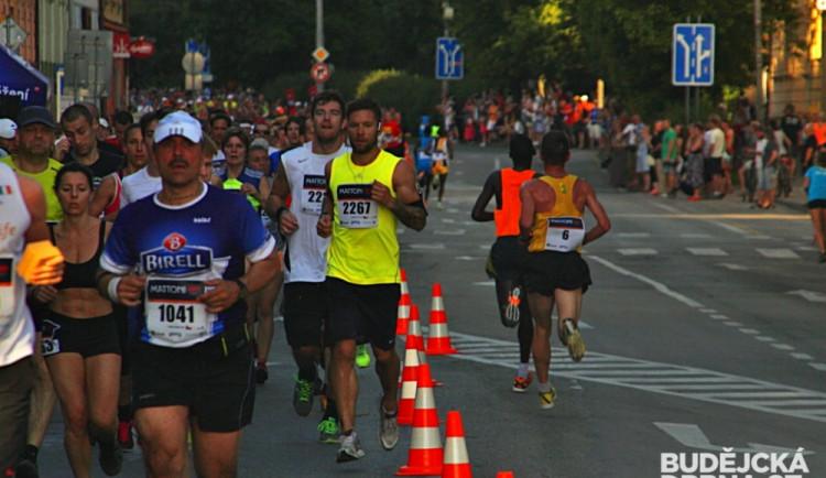 Půlmaraton pokořil s náskokem, rekord však nepadl