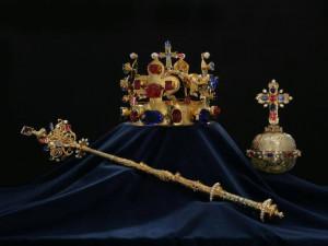 Město usiluje o zapůjčení kopií korunovačních klenotů