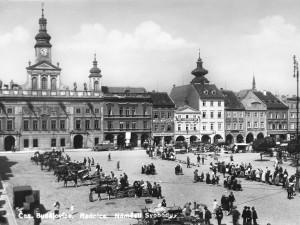 Královské město, královské náměstí. Ideální místo pro trh a obchod