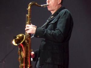 Ian Ritchie zahraje na svůj saxofon v Budějcích