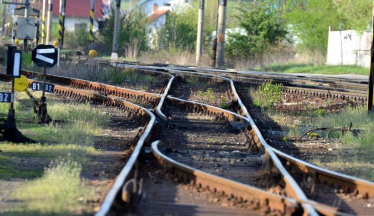 Další lidský život si v neděli vyžádala železniční trať u Veselí