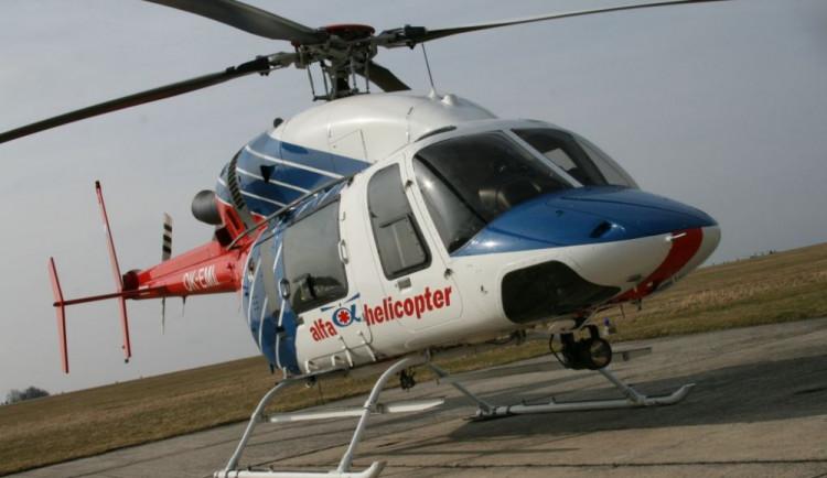 Mladá cyklistka nezvládla řízení, přiletět pro ni musel vrtulník