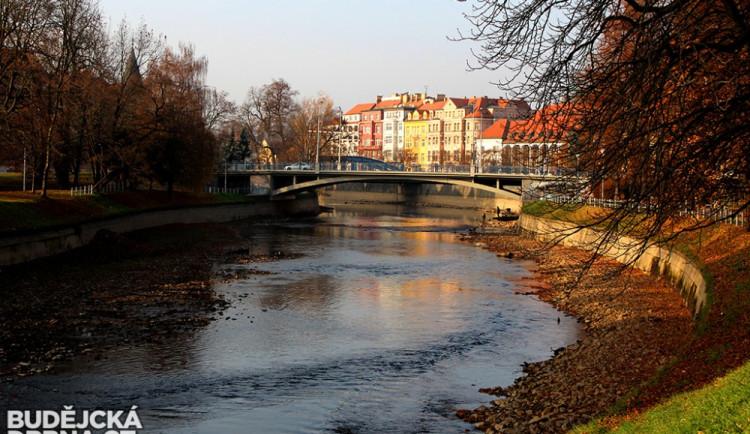 Vypuštěná Malše a Vltava indikují blížící se opravy koryta