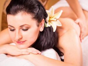 Předvánoční AKCE na dárkové poukazy v Ban Thai Massage!