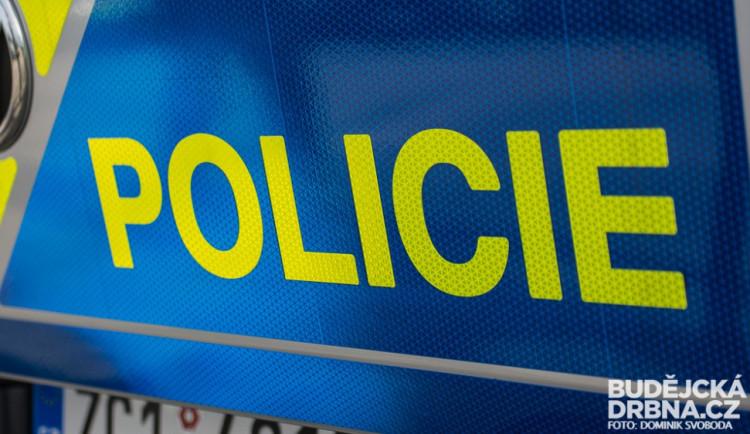 Při srážce dvou aut na Jindřichohradecku zahynul řidič