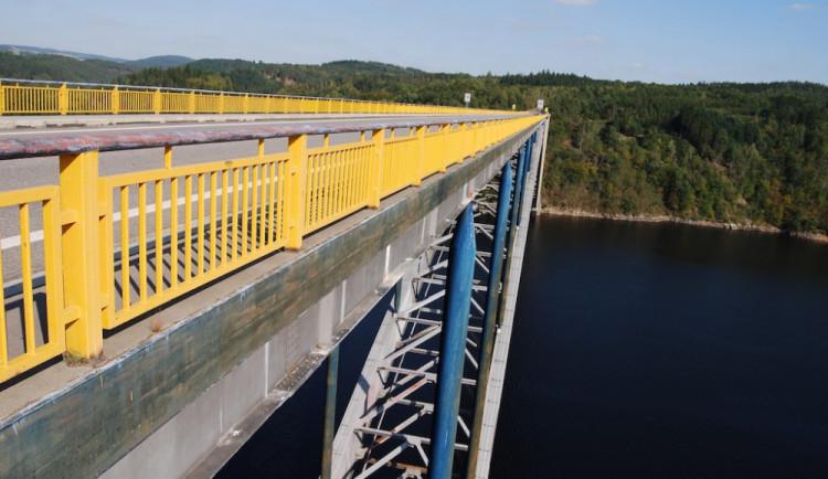 Po opraveném Žďákovském mostě se znovu začne jezdit 18. prosince