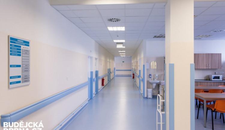 Nemocnice v Budějcích a Strakonicích ruší zákaz návštěv