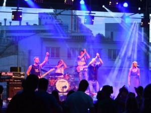 Sobota v Café Klubu Slavie znamená lahůdku v podobě koncertu Mustang Bluesride a Rozkrock