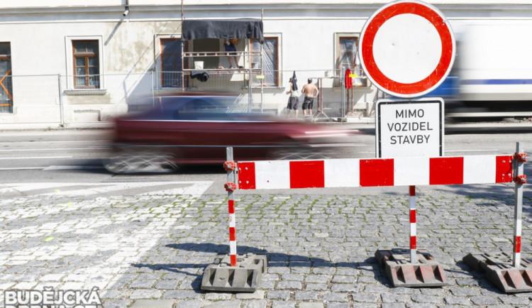 DOPRAVNÍ INFO: V listopadu skončí čtyři uzavírky silnic