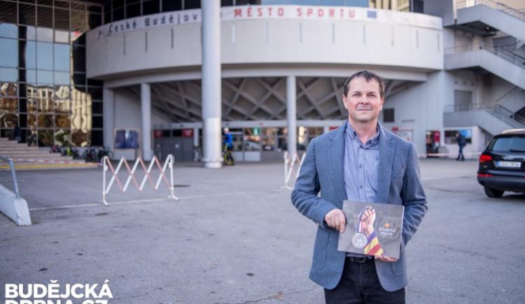 SOUTĚŽ: Stříbrní mistři – kniha vyprávějící o jediné stříbrné sezoně českobudějovického Motoru