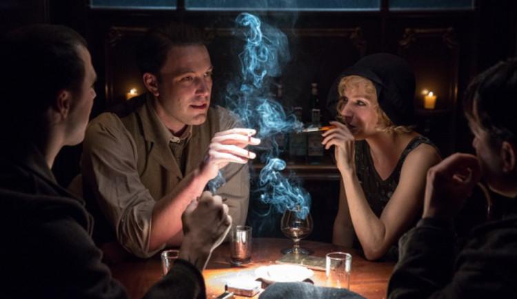 FILMOVÉ PREMIÉRY: Ben Affleck opět v roli režiséra! Do kin vstupuje gangsterka Pod rouškou noci