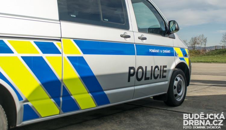 U obce Cehnice se ráno srazila dvě auta. Jeden řidič zemřel
