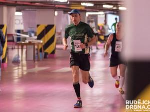Maraton v garážích se poběží podesáté. A s výbornými běžci