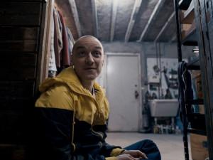 FILMOVÉ PREMIÉRY: M. Night Shyamalan opět děsí! Rozpolcený vstupuje na scénu