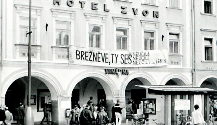 DRBNA HISTORIČKA: Hotel Zvon na náměstí představoval malé centrum aktuálních zpráv