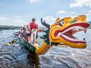 Sezónu na Lipně odstartovaly dračí lodě