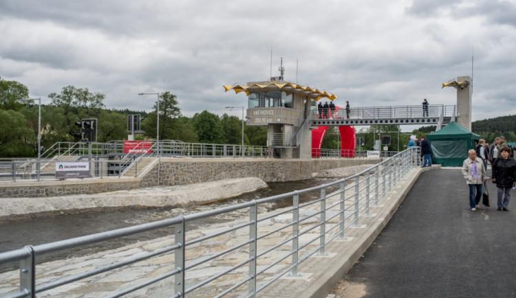 Plavební komora v Hněvkovicích je otevřena. Malé lodě mají otevřenou cestu z Budějc do celé Evropy