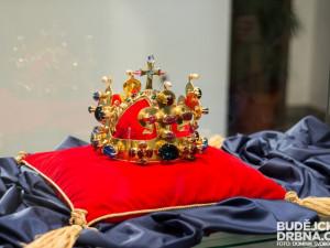 Na zámku Mitrowicz v Kolodějích nad Lužnicí budou vystaveny korunovační klenoty