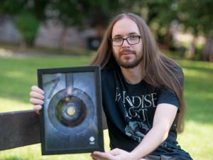 VIDEO: Držitelem ceny Břitva za nejlepší rockovou knihu loňského roku je Václav Votruba