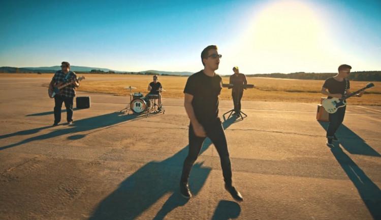 VIDEO: Kapela Quiet natočila nový klip k singlu Hrdina