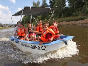 Provoz na Stezce řeky Vltavy se rozjíždí