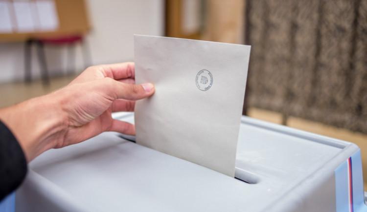 VOLBY 2017: Strany slibují zjednodušení daní, opozice konec EET