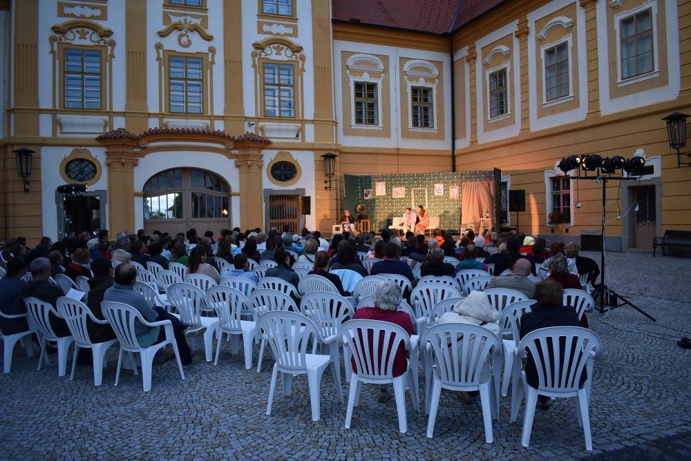 Po stelb v Praze nali mrtvho mue, policie hled