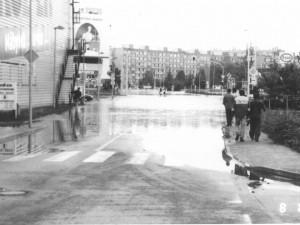 SLEDUJEME: Zprovozňují se důležité silnice, voda je na ústupu