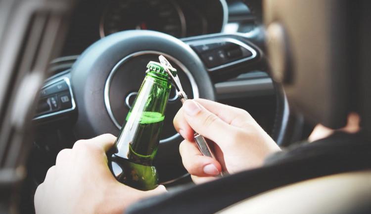 U Bechyně havaroval s autem řidič, který měl v krvi 3,6 promile alkoholu