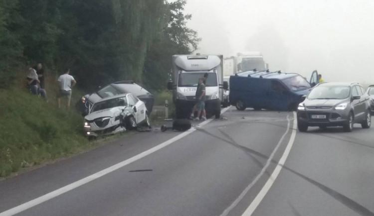 AKTUALIZOVÁNO: U obchvatu Vodňan se srazilo sedm aut