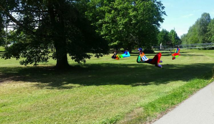 V parku u Sportovní haly vznikne nová odpočinková plocha
