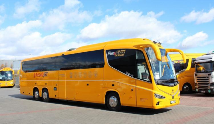 Autobusoví dopravci bojují o cestující, RegioJet se cenově vyrovnal FlixBusu