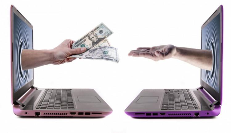 Příbuzný měl ženě odkázat přes 13,5 milionu dolarů. Nakonec přišla o více než 400 tisíc korun